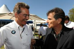 Sunday, 29 March 2009 Australian GP, Melbourne Australia. Mario Theissen ( BMW Motorsport Director) with Nelson Piquet sr This image is copyright free for editorial use © BMW AG